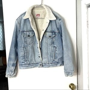 vintage Levi's fuzzy lined jean jacket